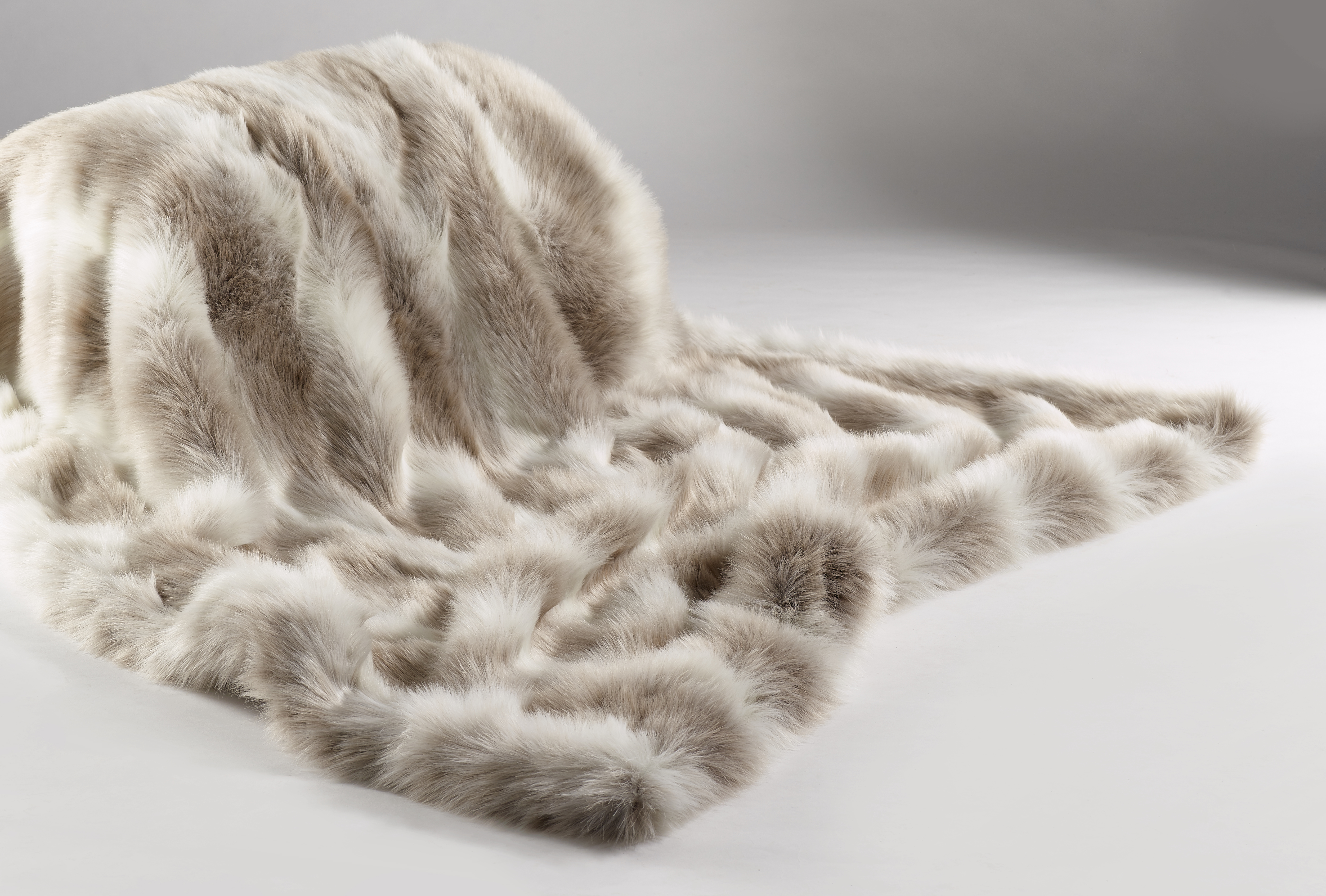 The Sofa Throw Company Reindeer Luxury Faux Fur Throw 140x180 cms